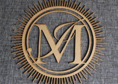 Laserschneiden von Holz (MDF). Fertigung eines individuellen Motivs aus MDF 3mm